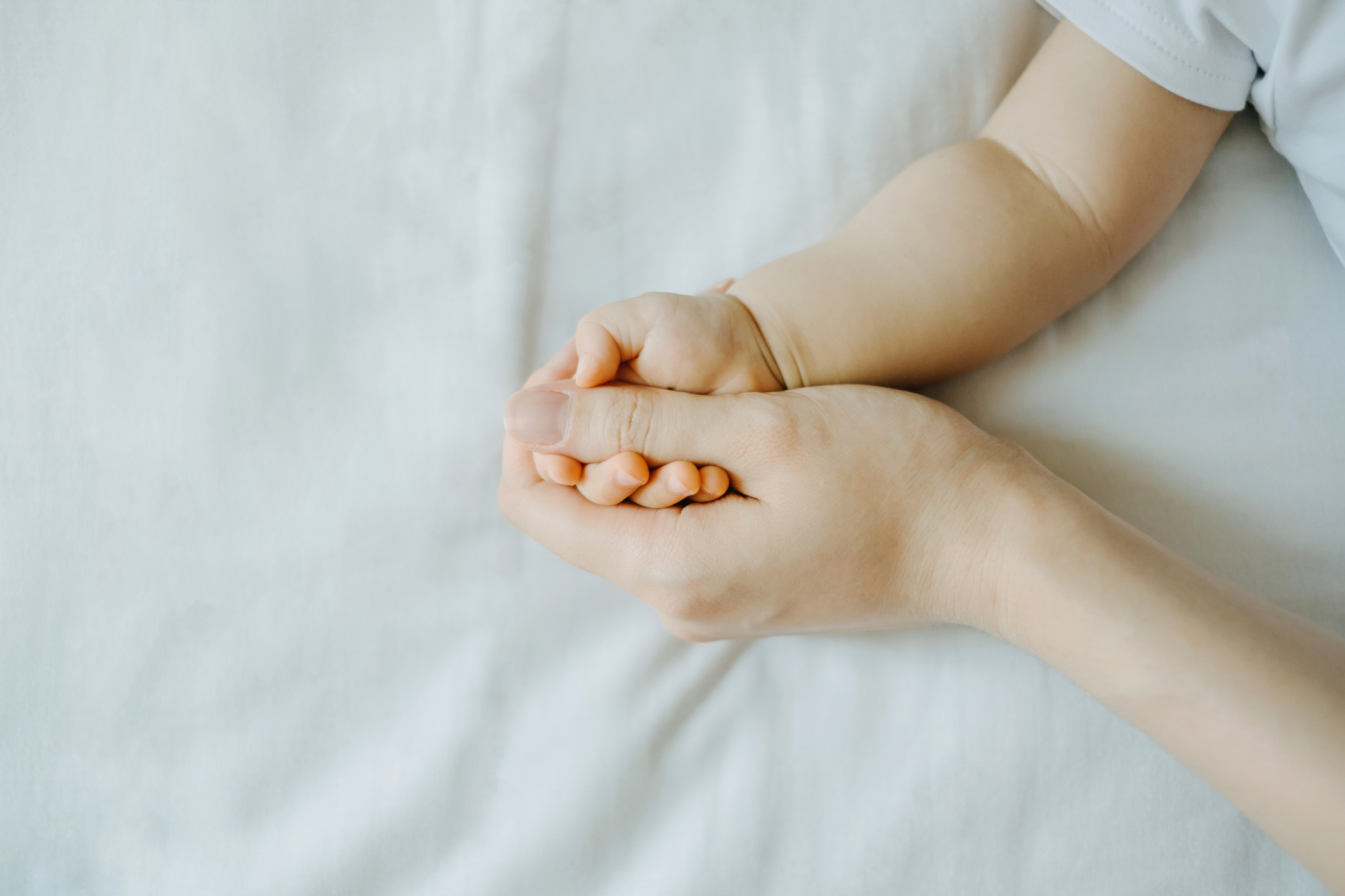 Baby_Mother_Hands